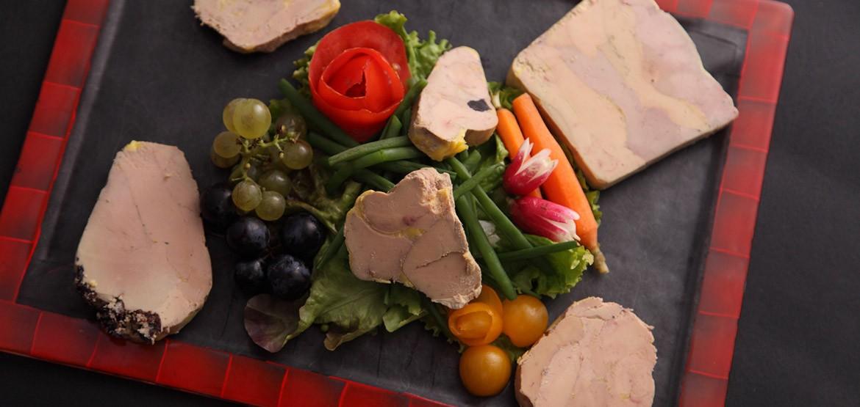 Découvrez notre gamme de foies gras entiers, Oie, Canard et Canoie