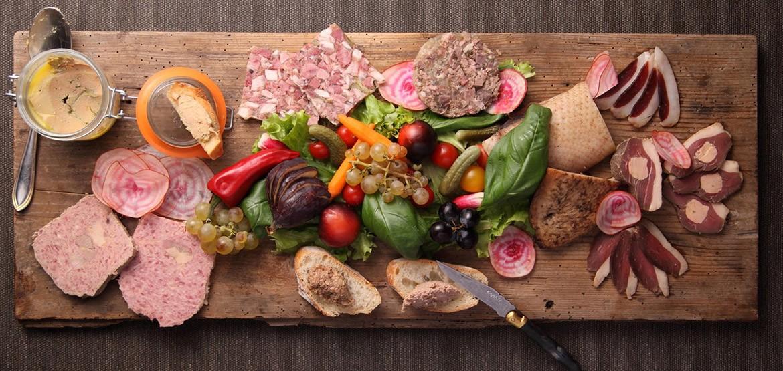 Pâtés, terrines et magrets pour des moments de convivialité autour de bons produits du terroir